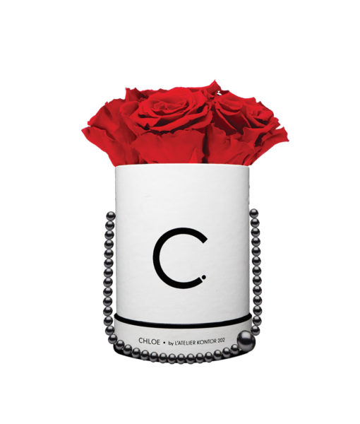 "Chloe Flowerbox, Classic White, Midi Bouquet, Classic Red, preserved ""Infinity"" Roses"